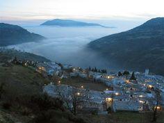 Podría ser en la provincia de Granada? Granada Andalucia, Andalusia, Cities, Nerja, Maybe Someday, Sierra Nevada, The Past, Places, Water