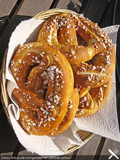 Schwäbische Laugenbrezeln (Rezept mit Bild) von Spitzi81 | Chefkoch.de