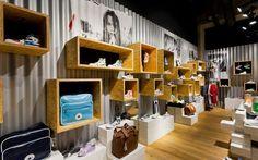 shoestore design - Buscar con Google
