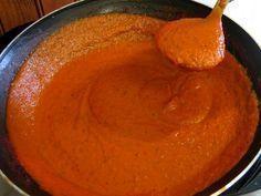 Pizza sauce Source by alonsomichele Pizza Recipes, Sauce Recipes, Barbacoa, Gorgonzola Pizza, Pasta Sauce, Marinade Sauce, Good Pizza, Beignets, Sauces