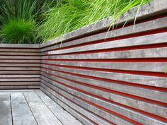 Retaining walls - colour behind retaining wall Soubassement terrasse? Landscape Walls, Landscape Architecture, Landscape Design, Contemporary Landscape, Garden Fencing, Garden Landscaping, Landscaping Ideas, Garden Structures, Garden Projects
