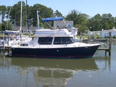 HUGE PRICE REDUCTION OF $19,000 ON 7/2016 OWNER WANTS THIS BOAT TO BE SOLD! BRING OFFERS! Fast trawler w/ twin 250 HP. Detroit diesels. 2 staterooms & 2 heads. Full galley. HOT DEAL! MAKE AN OFFER!