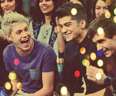 The way Zayn crinkles his noise in the picture... Adorable beyond words <3 And Niall's laugh, it's just one of those things, when you see the picture, you can hear it. And Liam's smile, I love it so much <3 Niall Horan, Zayn Malik, and Liam Payne - One Direction ;3
