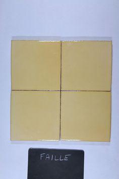 Fabrication artisanale de carrelage pour plan de travail et crédence de cuisine, sols et murs de salle de bain. Format 10,5 x 10,5 épaisseur 1,2 cm.Simple à poser, facile d'entretien, très résistant.