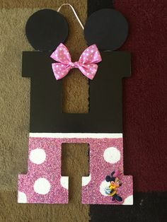 Glitter minnie mouse   https://www.facebook.com/Letter-b-creative-1511332732512079/