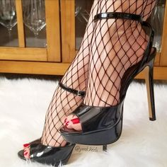 Sexy Legs And Heels, Hot Heels, Sexy High Heels, Womens High Heels, Pantyhose Heels, Stockings Heels, Online Shopping Shoes, Walk In My Shoes, Sexy Toes