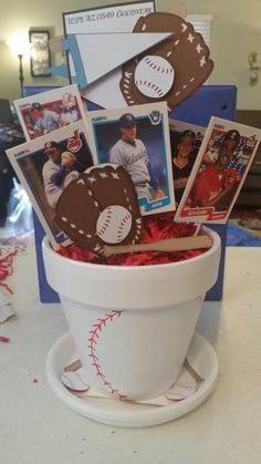 Ideas for sport party decorations centerpieces baseball table Birthday 60, Baseball Birthday Party, Sports Birthday, Sports Party, Birthday Ideas, Baseball Party Centerpieces, Banquet Centerpieces, Baseball Decorations, Centerpiece Ideas