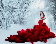 This stylish portrait is right out of the pages of an winter fairytale! Photo by Svetlana Belyaeva. Fantasy Photography, Fashion Photography, Pretty Dresses, Beautiful Dresses, Estilo Glamour, Fantasy Dress, Shades Of Red, Lady In Red, Fairy Tales