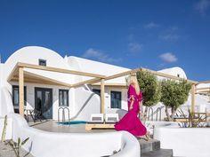 The Best Hotels in Oia, Greece #hotels #hotelroom #hoteldesign #europe #travel #romantic #wedding