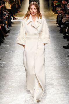 Blumarine - Vestido-abrigo de alpaca blanca.