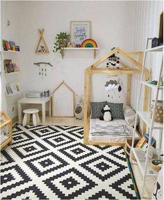 quarto montessoriano com tapete