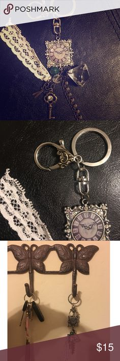 🆕🌷Vintage key chain The perfect accent to hold all your keys. This gorgeous vintage time clock key ring features a key, a diamond, scissors, lace and a few other little details. 🚫no trades🚫 PRICE IS FIRM💯 Accessories Key & Card Holders