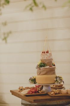 Cheese Wedding Cake Photography By Stellarphotographyconz Event Planning Simplyperfect