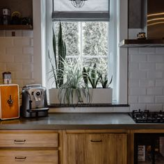 We believe that a kitchen should be as functional and practical as possible, but we also believe that a kitchen should be a warm and deeply personalized space, a collection of the things you love, of objects that make you feel comfortable, safe, and carefree, and of people who mean a world to you. Are you planning on styling your kitchen space in 2021? We would love to learn more about your dreams and plans! 🤗😍 #kitchendecor #architecture #interiordesign #homedesign #homeinspo… Kitchen Cabinets And Granite, Discount Kitchen Cabinets, Solid Wood Cabinets, Custom Kitchen Cabinets, Kitchen And Bath Showroom, Kitchen And Bath Design, Cool Kitchens, Objects, Dreams