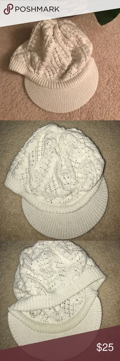 Cute Knit Cream and Glitter Cap🛍 Details💫 gently used and washed by hand,glittering threads throughout,really cute on💫 Accessories Hats