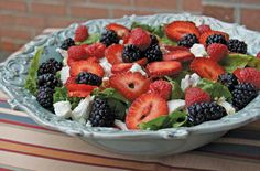 Berry Spinach Salad (WV LIVING - http://www.wvliving.com/Recipes/index.php/name/Berry-Spinach-Salad/record/3148/)