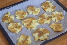 Knuste kartofler med hvidløg rosmaring og parmesan Griddle Pan, Parmesan, Side Dishes, Good Food, Food And Drink, Vegetarian, Vegetables, Kitchen, Blog