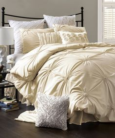 Butter cream bed set, bedding