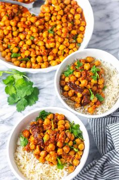 This Amazing Instant Pot Chickpea Curry or Chole is chickpeas cooked with tomatoes, garlic, and aromatic spices have an authentic chana masala flavor. Chickpea Recipes, Vegetarian Recipes, Healthy Recipes, Vegetable Recipes, Vegetarian Lunch, Veggie Meals, Protein Recipes, Spicy Recipes, Curry Recipes