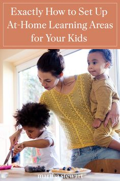 Experts discuss ways to set up at-home learning spaces for your kids during social distancing and the coronavirus outbreak. Learning Time, Home Learning, Learning Spaces, Kids And Parenting, Parenting Hacks, School Sets, Classroom Supplies, Daily Activities, Creative Kids