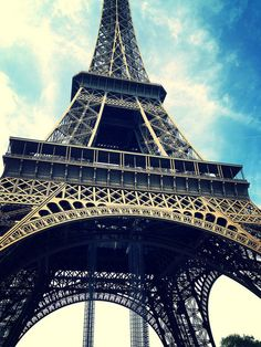Paris - Tour Eiffel by mickitcoco on Flickr.
