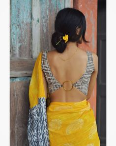 Blouse Back Neck Designs, Best Blouse Designs, Sari Blouse Designs, Blouse Patterns, Stylish Blouse Design, Simple Sarees, Elegant Saree, Indian Designer Wear, Saree Blouse
