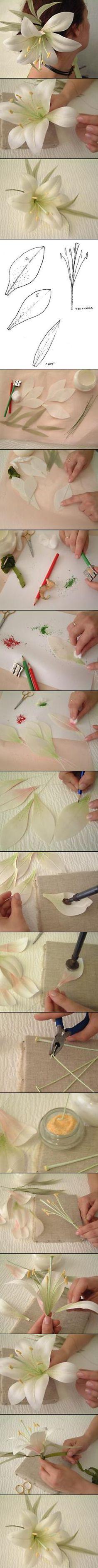 Lilie Turtorial ... Ausstecher in meinem Shop http://www.lebensmitteldruck.com/fmm-Exotic-Lily-/-exotische-Lilie-Ausstecher-Set-5-teilig-mit-Blattpraeger-