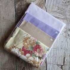 Zbytkový balíček látek fialový s růží Pot Holders, Scrappy Quilts, Hot Pads, Potholders