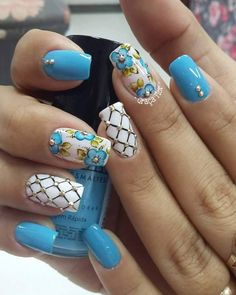 Discover recipes, home ideas, style inspiration and other ideas to try. Blue Acrylic Nails, Blue Nails, My Nails, Teen Nails, Diva Nails, Toe Nail Designs, Pedicure Nails, Flower Nails, Spring Nails