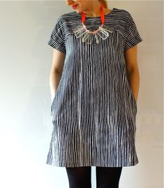Marimekko dress, Sivellin: love the way the stripes go opposite directions and the pockets. Would love to try a cut like this. Girl Fashion, Fashion Outfits, Womens Fashion, Pretty Outfits, Cute Outfits, Marimekko Dress, Madame, Sewing Clothes, Get Dressed