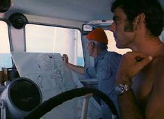 Au premier plan, CLaude Lapeyre, plongeur de l'équipe Cousteau et sa ZRC Grand Fond