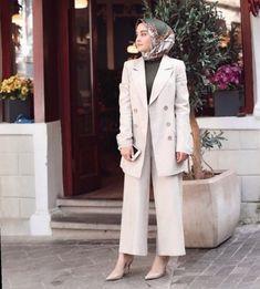 Office Look Women Hijab : ? Office Look Women Hijab Hijab Fashion Summer, Modest Fashion Hijab, Modern Hijab Fashion, Street Hijab Fashion, Hijab Fashion Inspiration, Casual Hijab Outfit, Muslim Fashion, Fashion Pants, Fashion Outfits