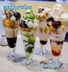 The description read that these were made with green tea. Ice Cream Drinks, Yummy Ice Cream, Ice Cream Desserts, Cafe Menu, Cafe Food, Delicious Desserts, Dessert Recipes, Yummy Food, Trifle Desserts