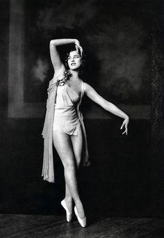 Photographs of Ziegfeld girls