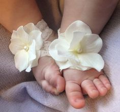 Baby Sandals, Baby Shoes, Barefoot Blossom (TM) Off-White Hydrangea. $14.95, via Etsy.
