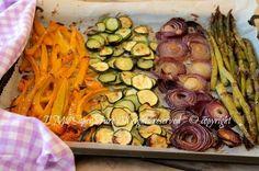 Verdure miste al forno leggere e gustose ricetta imperdibile ! Un mix di verdure di stagione, condite e cotte in forno per poi essere gustate in tanti modi