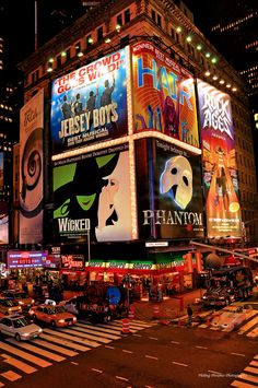Times Square - Broadway, NYC - I stay on St, at the Night Hotel Times Square. NYC New York City Travel Honeymoon Backpack Backpacking Vacation Broadway Nyc, Broadway Wicked, Broadway Plays, Broadway Theme, Empire State Building, Empire State Of Mind, Ville New York, A New York Minute, Voyage New York