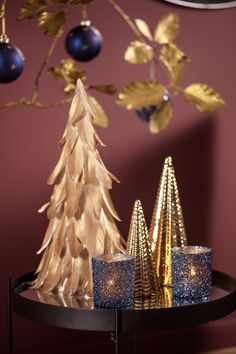 #kremmerhuset #julepynt #Julestemning #Jul #klassisk jul #Julen 2018 #Juletrend 2018 #kremmerhuset jul #juleglede #tradisjonell jul #elegant jul #jul Incense, Crown, Elegant, Christmas, Classy, Yule, Chic, Navidad, Xmas