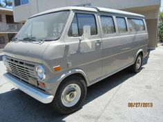 Learn more about Original Paint Ford Econoline Van on Bring a Trailer, the home of the best vintage and classic cars online. Vintage Vans, Vintage Trucks, Mini Bus, Cool Vans, Custom Vans, Ford Transit, Classic Cars Online, Classic Trucks, Ford Trucks