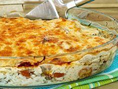 Ένα υπέροχο πιάτο για το καθημερινό, Κυριακάτικο αλλά και επίσημο τραπέζι σας. Κοτόπουλο με πιπεριές, κρεμμύδια και μανιτάρια στο φούρνο, καλυμμένο με γευσ Food Network Recipes, Gourmet Recipes, Food Processor Recipes, Cooking Recipes, Keto Recipes, Paprika Sauce, Cetogenic Diet, Feta, Cyprus Food