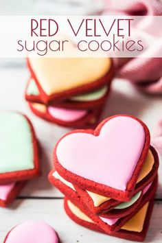 Red Velvet Sugar Cookies: soft & full of flavor! -Baking a Moment Red Velvet Sugar Cookies: Soft & tender with a little cocoa and cream cheese flavor. Perfect for Valentine's Day, Christmas, or the Fourth of July. Cut Out Cookies, Cake Cookies, Cookies Et Biscuits, Cookies Soft, Heart Cookies, Cupcakes, Baking Cookies, Valentine Desserts, Valentine Cookies
