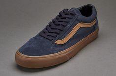 Vans Old Skool - (Gum Sidestripe) Ebony