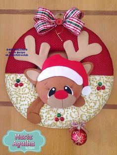 МИШКИ - идеи Christmas Projects, Holiday Crafts, Christmas Holidays, Felt Christmas Ornaments, Christmas Wreaths, Felt Decorations, Christmas Decorations, Rena, Theme Noel