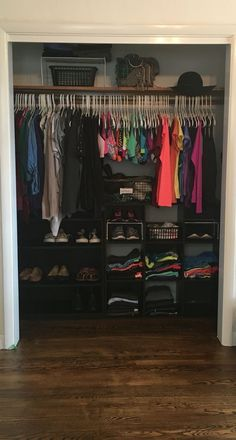 Beautiful Room organization Closet Bedroom My closet organization is key desireesandlin Organizar Closets, Bedroom Closet Doors, Dorm Room Closet, Closet Mirror, Closet Rod, Bathroom Closet, Closet Shelves, Trendy Bedroom, Diy Bedroom