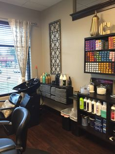 Everything in one place...but well done!   Easy Ideas Beauty Salon ...