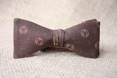 Bow tie for man man brown bow tie man bow tie man brown Vrai Gentleman, Custom Ties, Custom Engraving, Handmade Accessories, Color Combinations, Dark Brown, Bows, Etsy, Chocolate