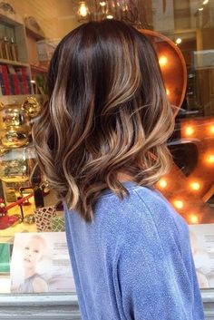 Balayage Ideas for Short Hair - Brown Balayage Wavy Lob - Tips, Tricks, And Ideas for Balayage Hairstyles You Can Do At Home And For Short And Very Short Hair. DIY Balayage Hair Styles That Cost Way Less. Try The Pixie Balayage Hairdo For Blonde Or Dark B Winter Hairstyles, Pretty Hairstyles, Hairstyle Ideas, Hairstyles 2018, Brown Hairstyles, Latest Hairstyles, Makeup Hairstyle, Wedding Hairstyles, Hair Makeup