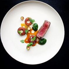 Beef with arugula & parsnip. Another gorgeous dish uploaded by @seanymacd #gastroart