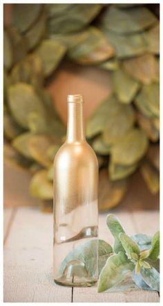 Trendy wedding centerpieces gold glitter wine bottles Ideas #wedding Glitter Wine Bottles, Gold Bottles, Wedding Wine Bottles, Glitter Candles, Painted Wine Bottles, Wedding Vase Centerpieces, Wine Bottle Centerpieces, Wine Bottle Candles, Centrepieces