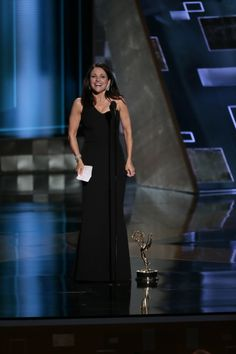 The Daily Northwestern : Northwestern alumni Julia Louis-Dreyfus, George R.R. Martin win big at Emmys